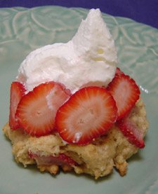 scones with whipped cream